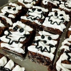 Mummy Brownies for Zayn's Halloween Party at school.
